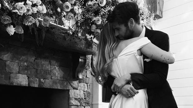 Miley Cyrus & Liam Hemsworth Confirmed Their Marriage on Instragram Post.